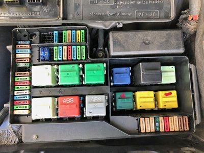 E36 M3のヒューズBOX